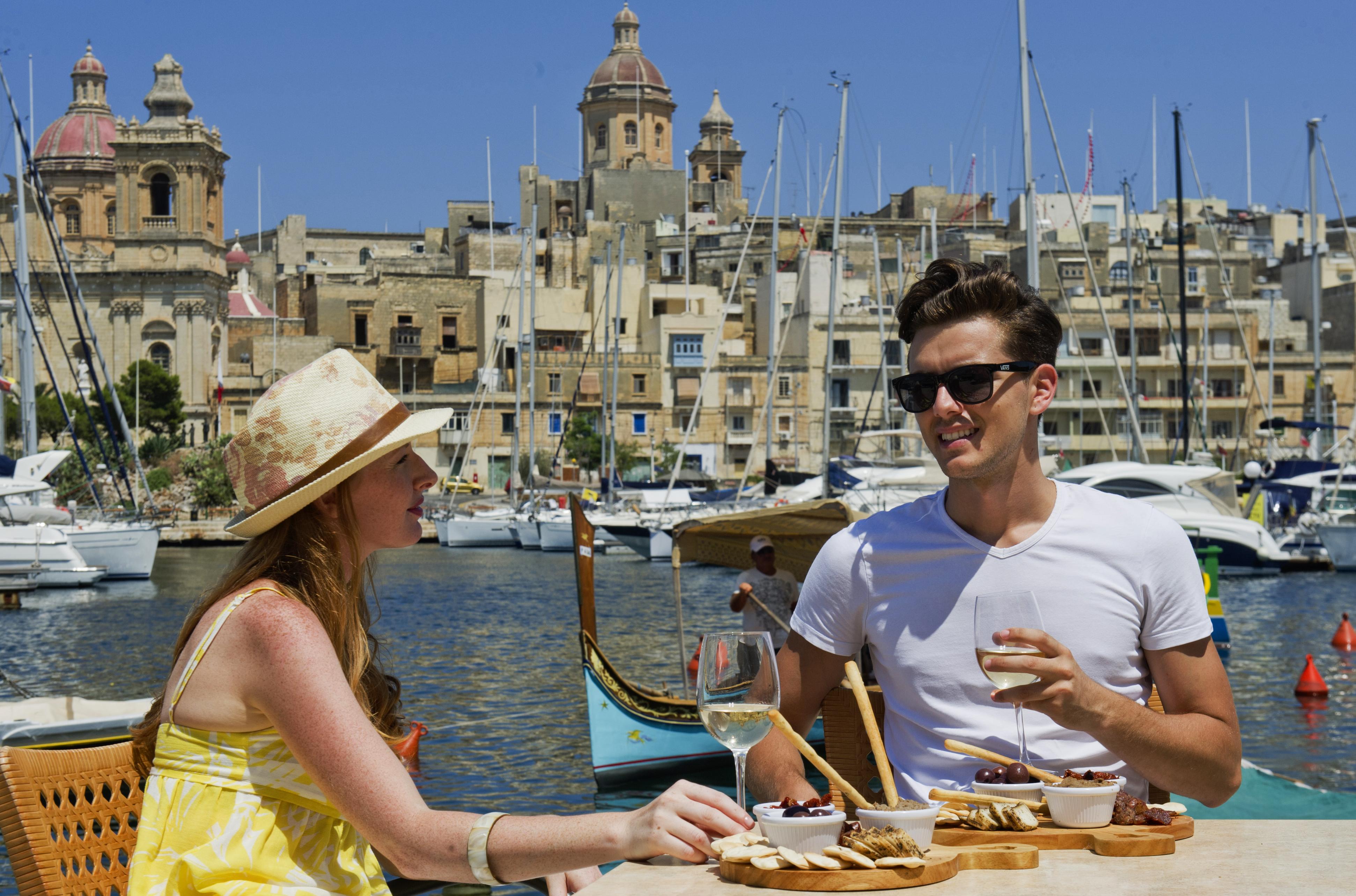 Couple in Birgu Malta